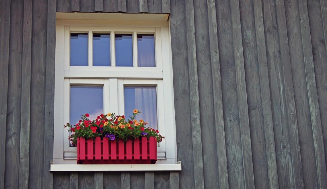 window-1601423_1280