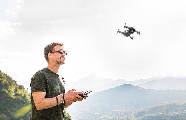 drone-3453361_640