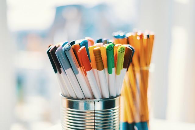 pens-5299570_640